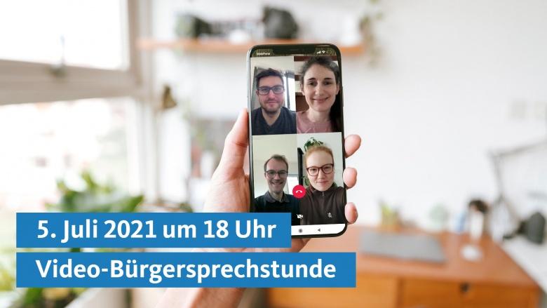 Smartphone mit laufendem Video-Call. Zu sehen sind Dr. Christian Untrieser und 3 weitere Teilnehmer.